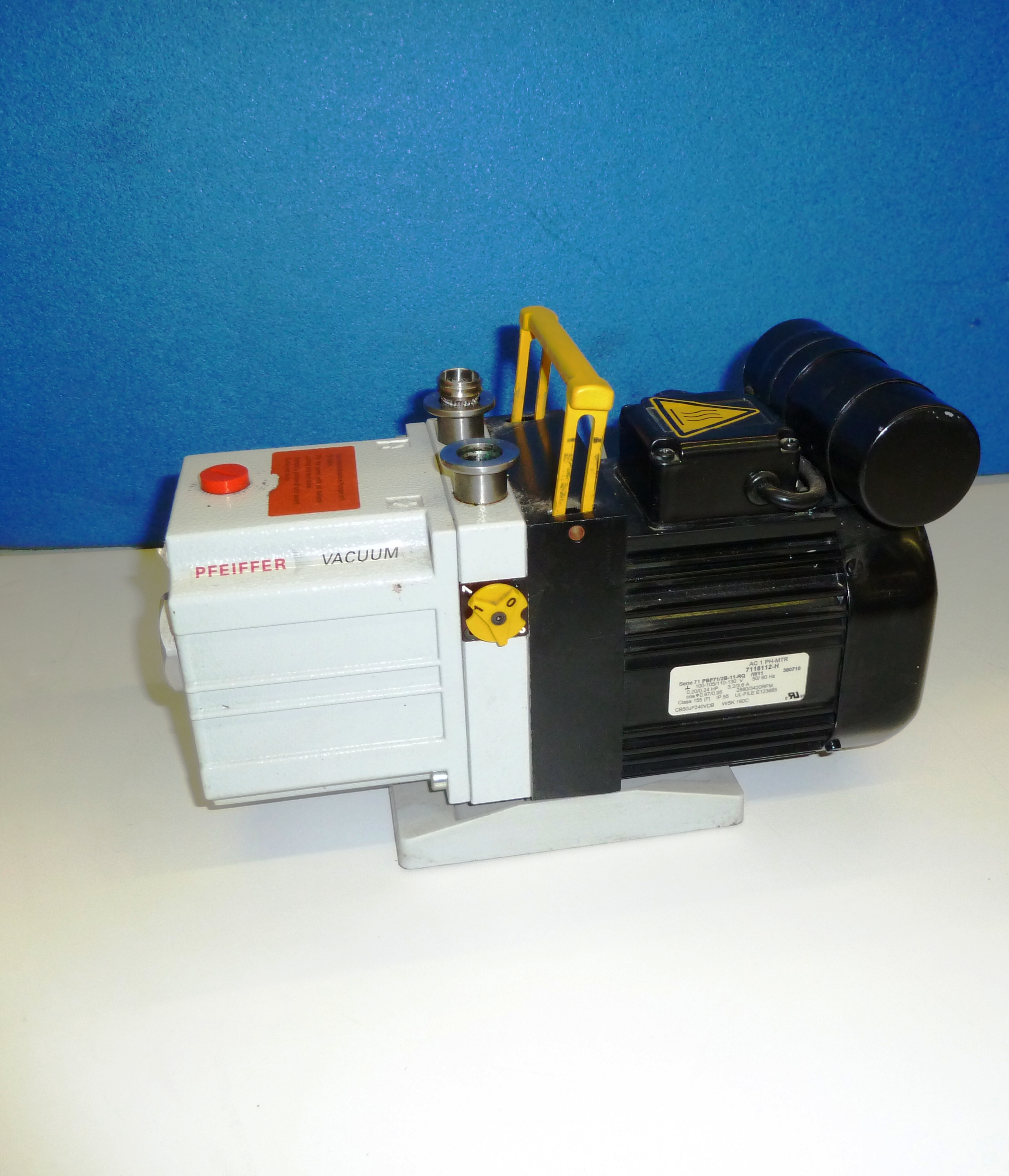 PFEIFFER VACUUM PUMP - Click Image to Close